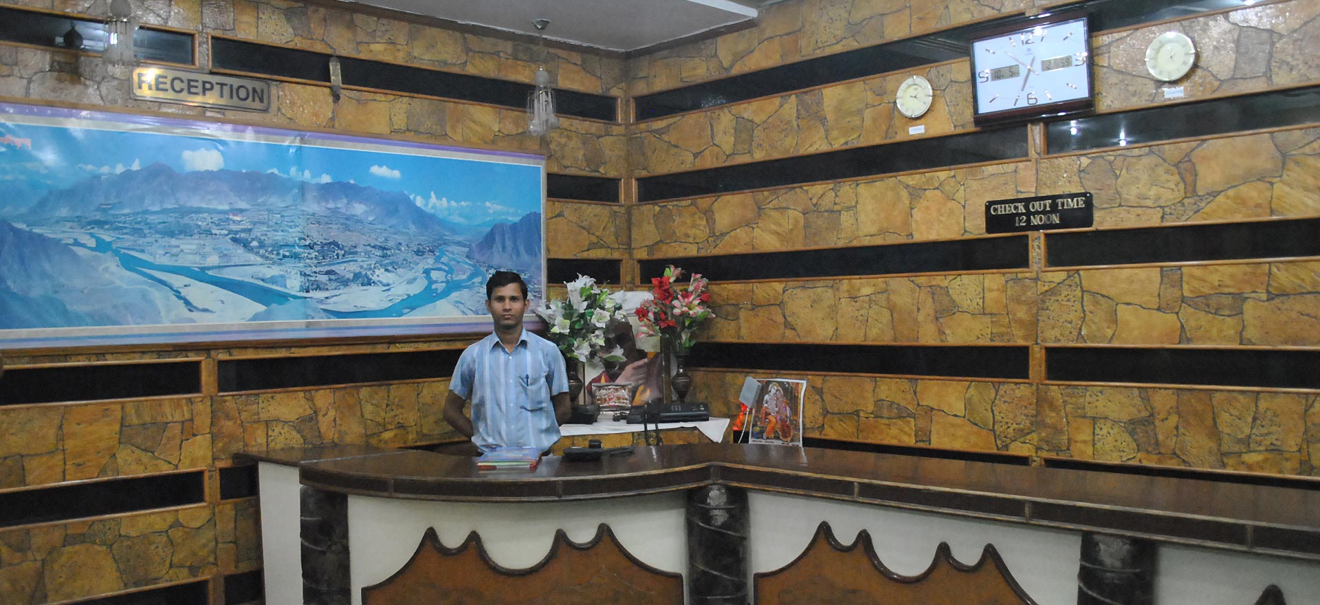 deluxe hotels with best services in mcleodganj